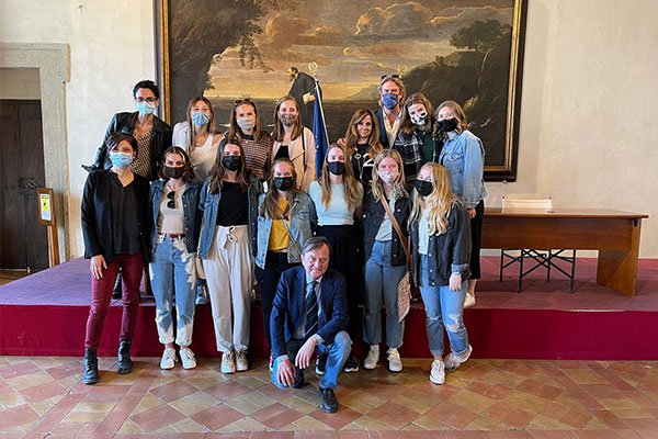 Ten Auburn students and an intern pose with coordinators of the study abroad program in Ariccia, Italy.